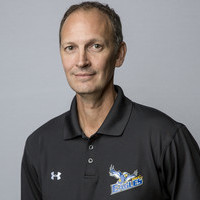 Coach honoured as 2016-17 ACAC men's volleyball coach of the year