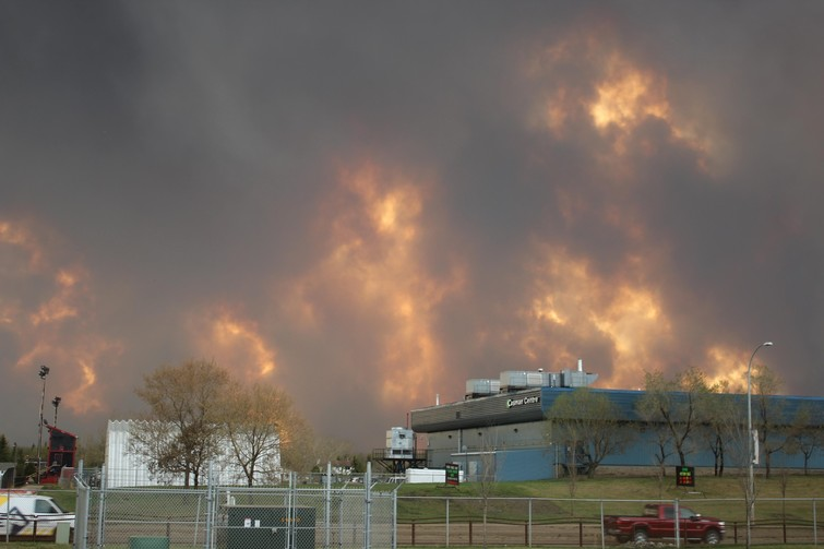 Photo of the Fort McMurray fire taken by Erica and Ronald Vanden Pol as they evacuated the city