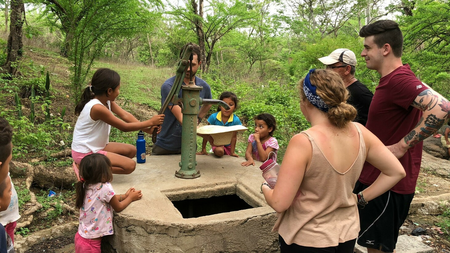Photo of the May 2019 Honduras Water Project trip.